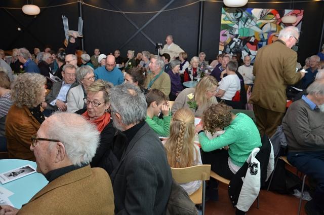 Publikum Fyldte Godt Op I Kulturstationens Café
